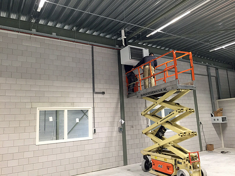Complete installatie productiehal van 1600 m² bij Vescom ...